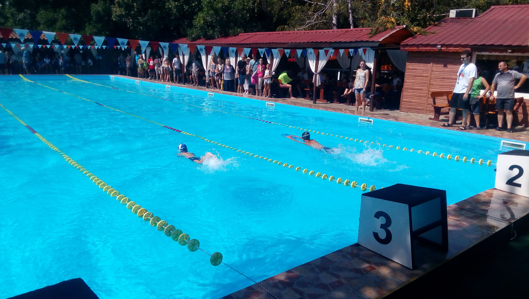плуване басейн Локомотив