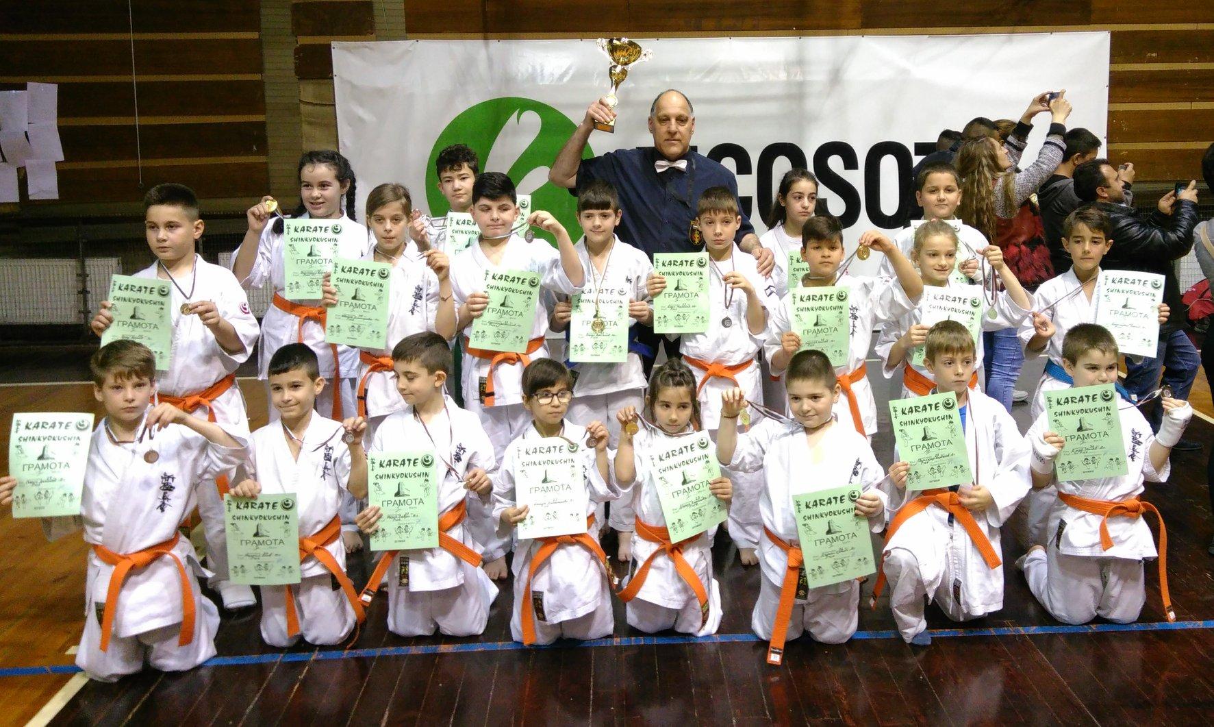 Куп медали спечелиха възпитаниците на сенсей Калинов от УСШ-Русе