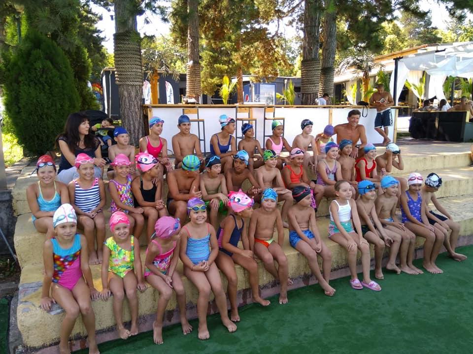 Успешно приключване на заниманията по плуване за учебната 2019/2020 към УСШ
